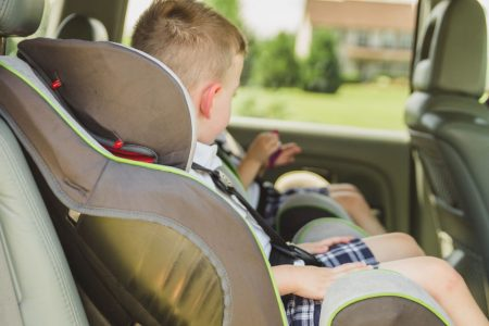normativa seggiolini auto